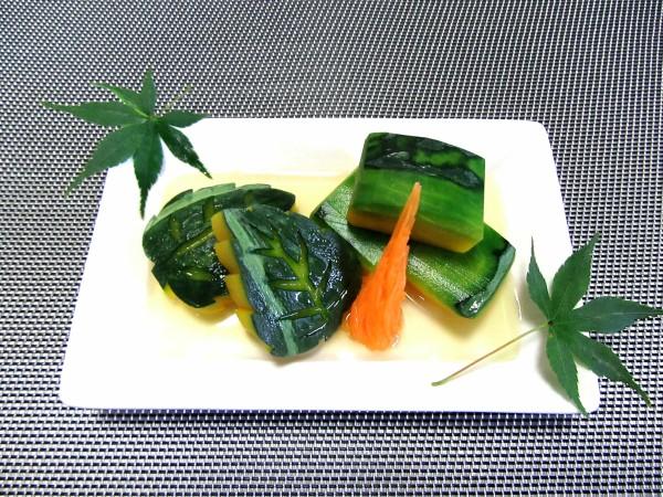 南瓜の色出し煮,かぼちゃの煮物と木の葉南瓜の飾り切り