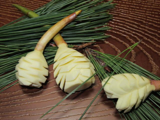 松笠くわいの飾り切り,おせち料理と正月の慈姑の切り方