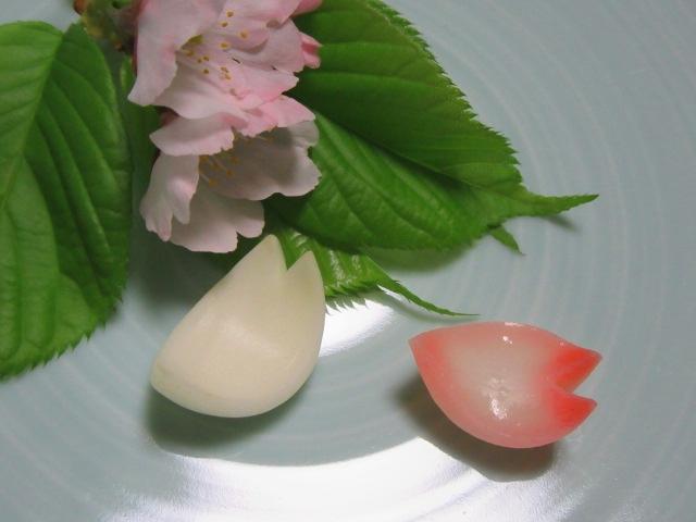 花びらゆりねの画像,百合根の煮物と春の献立