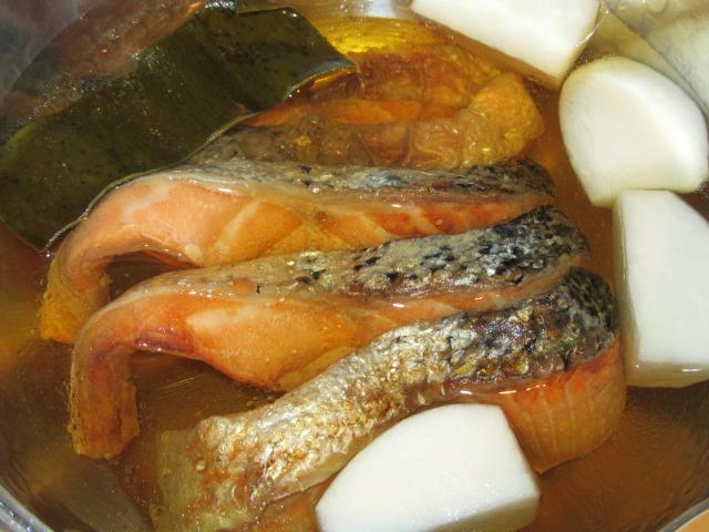 焼き鮭とかぶの煮物の作り方手順