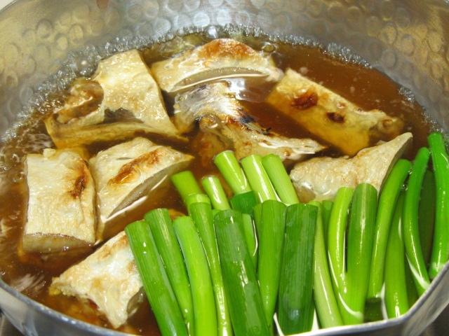 ぶりかまのなんばに,冬の煮物の献立焼き鰤の難波煮