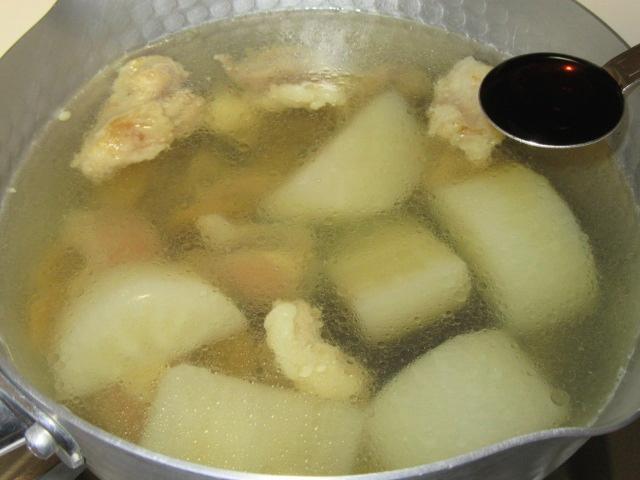 牛すじ肉と大根の煮物の味付け