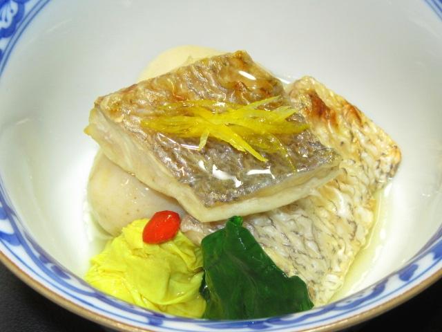 焼き鯛と子芋のたき合わせ,湯葉の吉野煮とほうれん草色だし煮,針ゆず