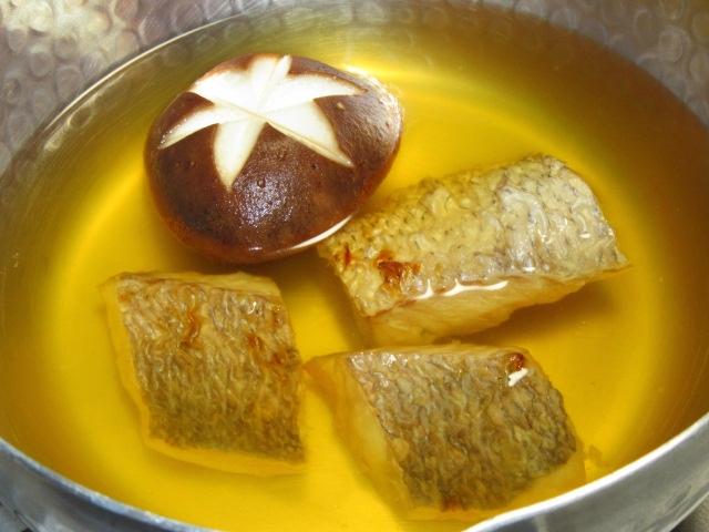 焼き鯛と椎茸のにゅう麺のだし汁,春の椀物,お凌ぎの献立