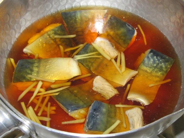 さばのしょうが煮の作り方手順,砂糖と濃口醤油を入れたあと