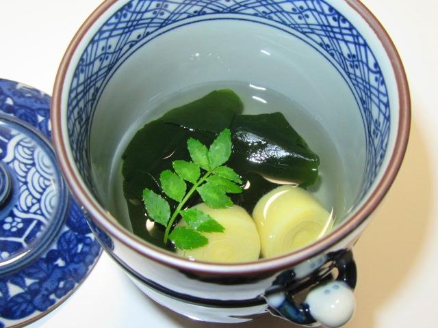 わかめとたけのこの姫皮で作る若竹汁,春の小吸い物の献立