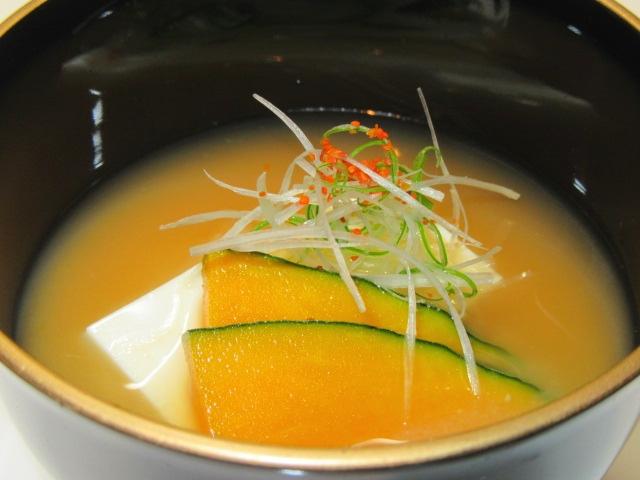 豆腐と南瓜の合わせ味噌仕立て,汁物の献立
