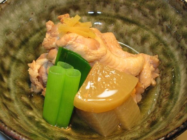 骨つき鶏の蒸し煮の作り方手順,煮物の献立と盛りつけ