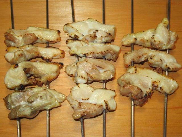 焼き色を付けた鶏肉の煮物の作り方手順,鶏肉を焼く工程