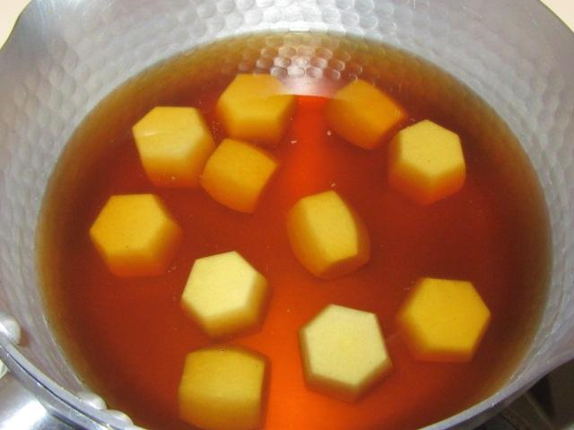 里芋の煮物の作り方手順,六方小芋