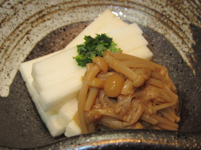 えのき茸の旨煮を使った短冊長芋となめ茸の小鉢料理