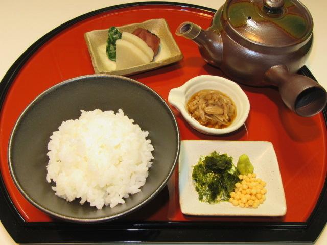 えのき茸の旨煮を使ったなめ茸茶漬け,ご飯物の献立