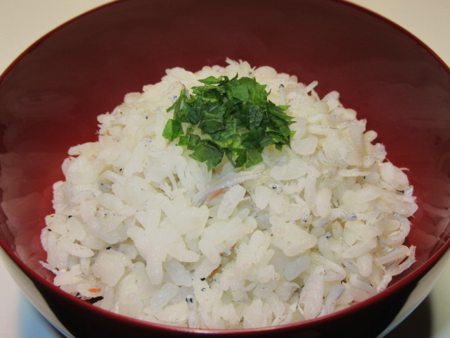 釜揚げしらすの混ぜご飯,大葉紫蘇
