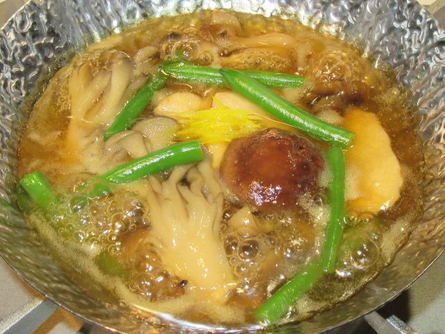 鶏むね肉と茸のうすくず鍋の作り方