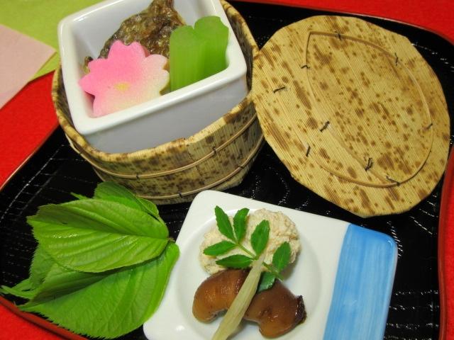 春の煮物の献立画像,焼き鯛,桜麩,ふき,鯛の真子,白子